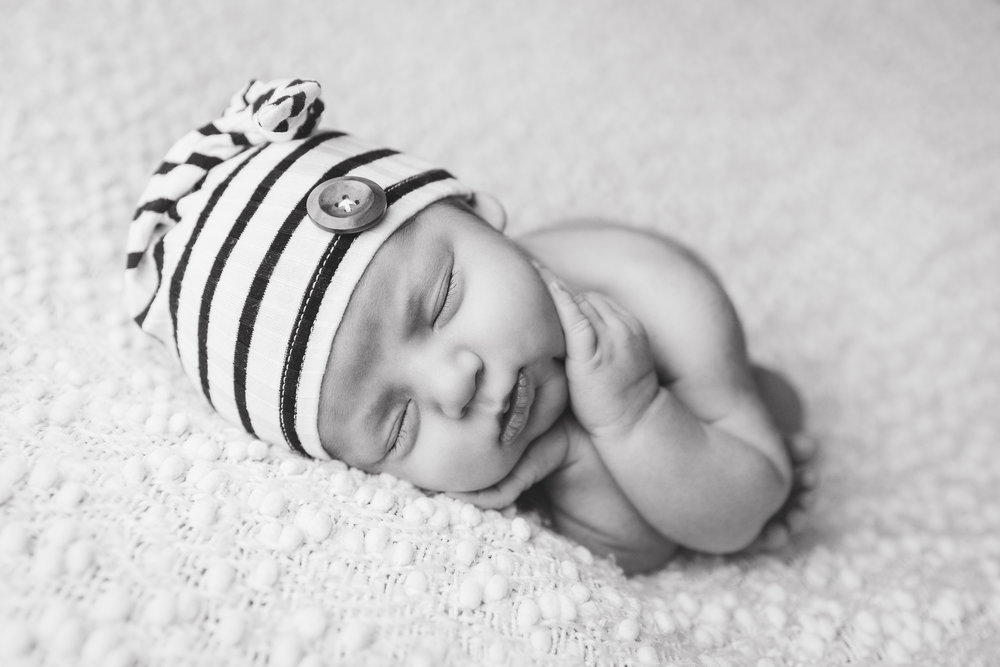 river newborn photo  (5).jpg