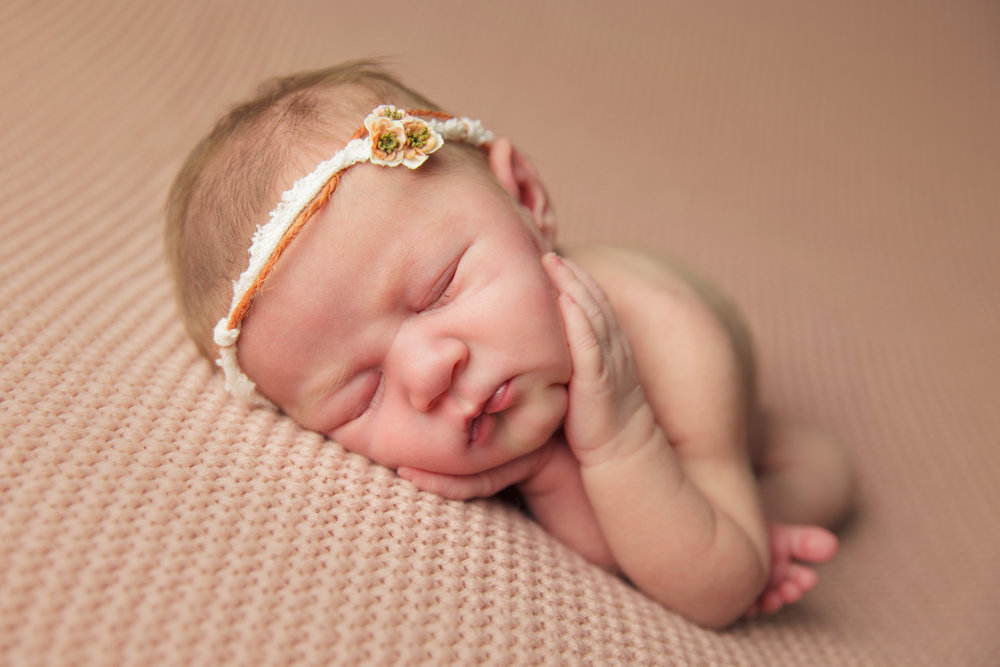 isla newborn  (5).jpg