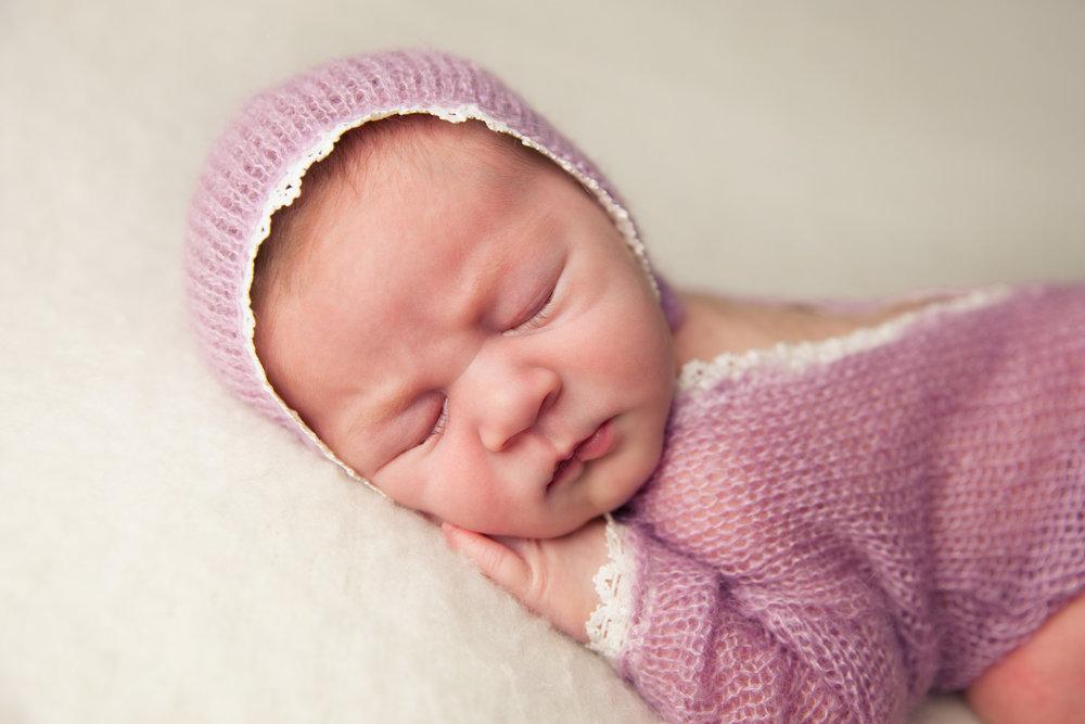isla newborn  (20).jpg