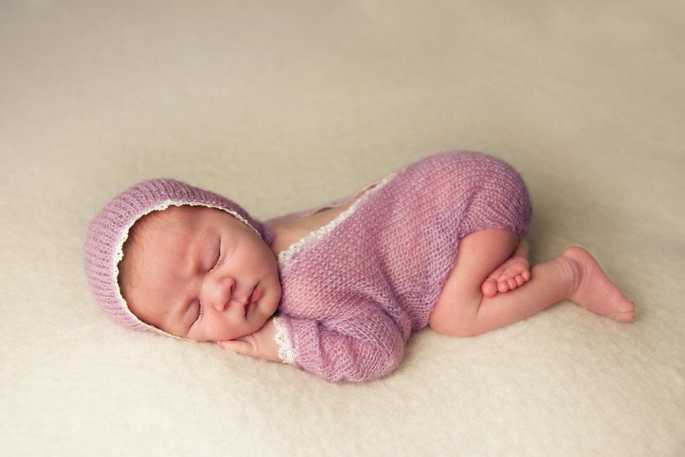 isla newborn  (21).jpg