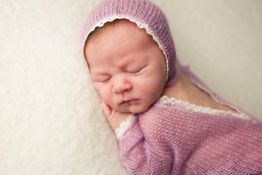isla newborn  (24).jpg