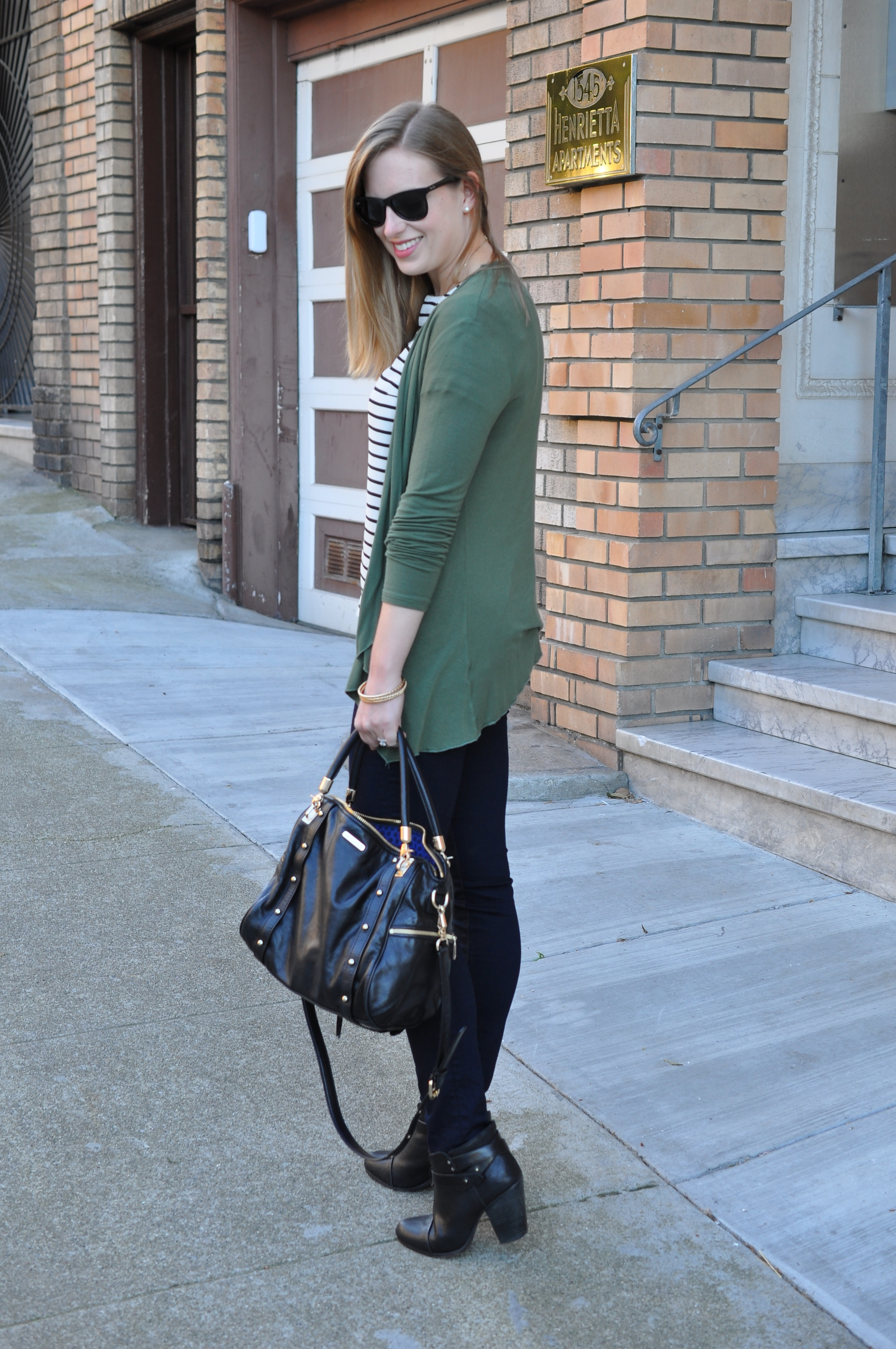 Super old sweater via Nordstrom, J. Crew shirt (old), J Brand jeans, Rag&Bone booties, Madewell necklace, Rebecca Minkoff bag, Ray-Ban sunglasses