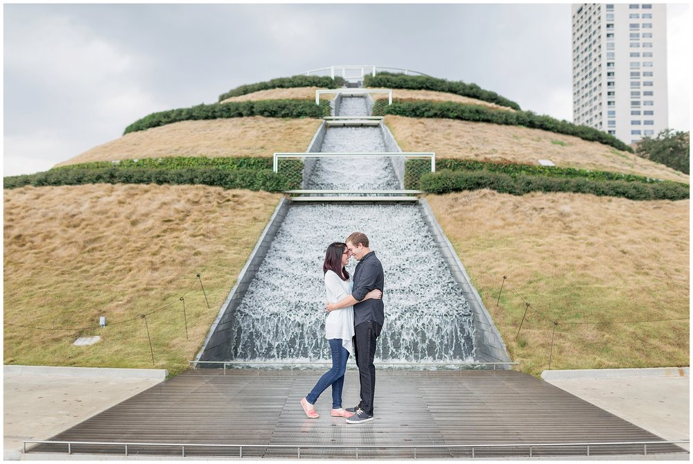 McGovern_Centennial_Park_Engagement_Houston_0000.jpg