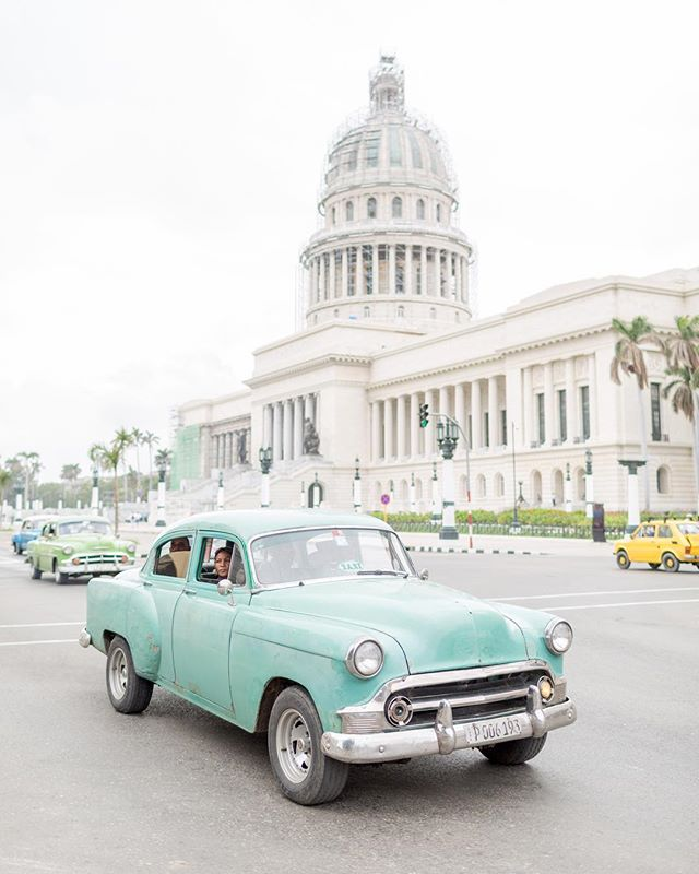I'm going to try to explain my journey in the wonderful country of Cuba to you all but I know words are going to fail me. 🇨🇺 In life, some trips you take are just extremely formative to your person. During this particular stretch of days, I met and traveled with 6 incredible women. We danced and explored while having deep honest conversations about love, passion and what it means to be an artist. Each woman was unique and wonderful and they all left me feeling an inspiration that I have never felt. 🚺 They encouraged me to a new level of authenticity that I can only hope to carry with me in 2018 and always. Until next time ladies @emu_media @lisamnicchi @awomanunder @crystallilyphoto @kononix @amandabjorn 💕