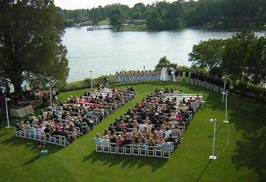 tides-inn-wedding-ceremony.jpg
