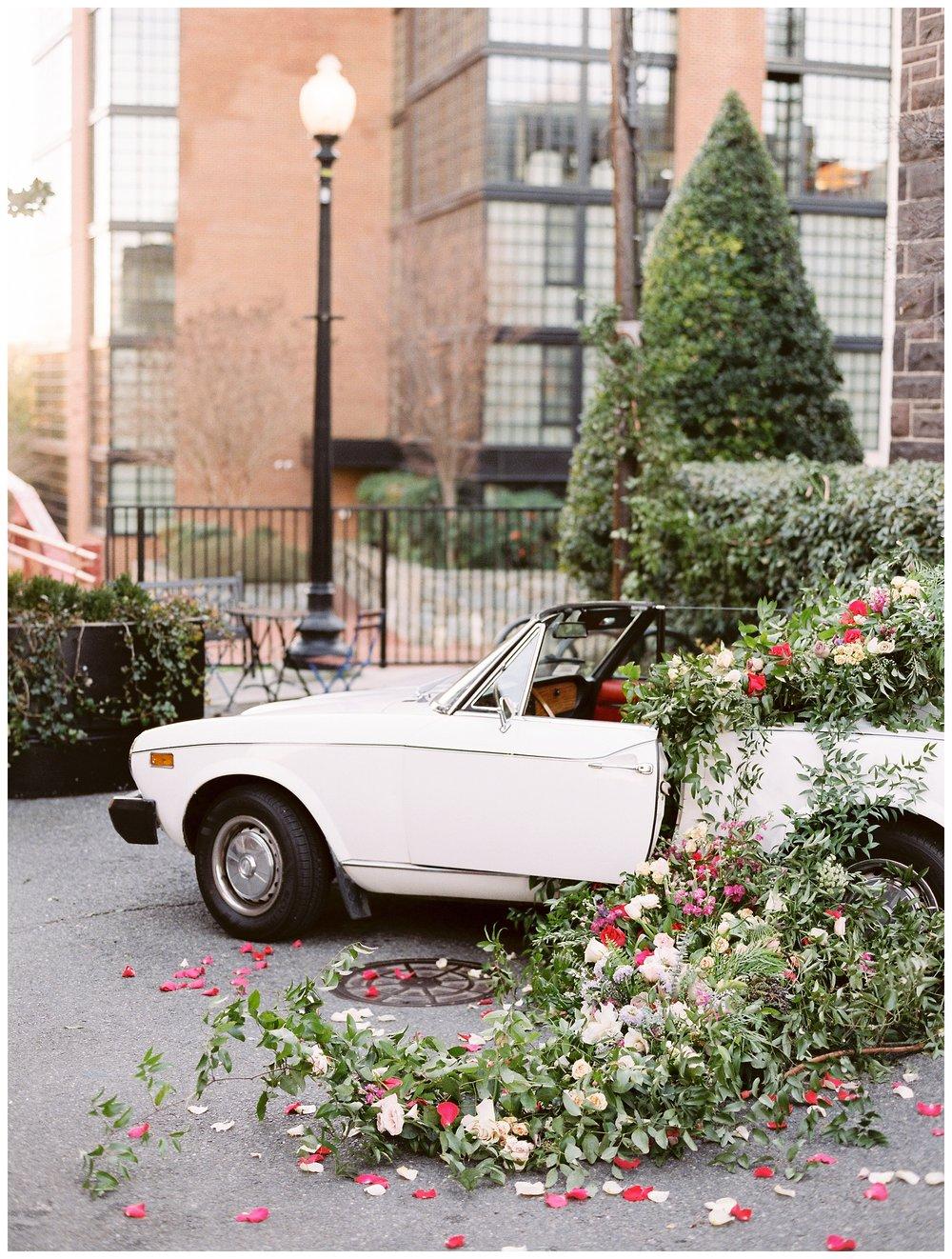 2020_Wedding_Trends_Pantone_0023.jpg