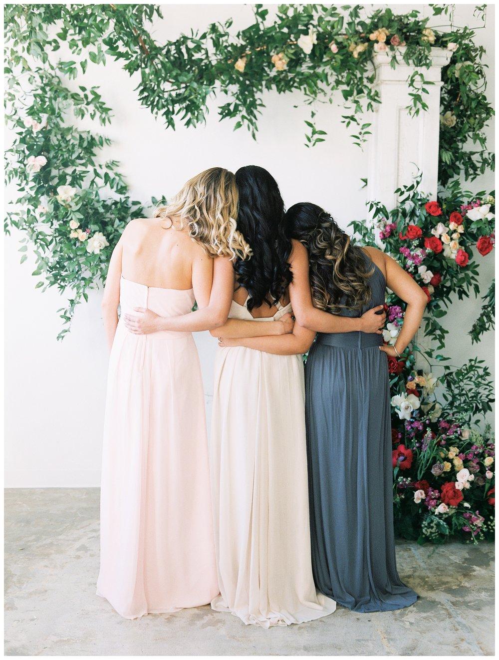 2020_Wedding_Trends_Pantone_0031.jpg
