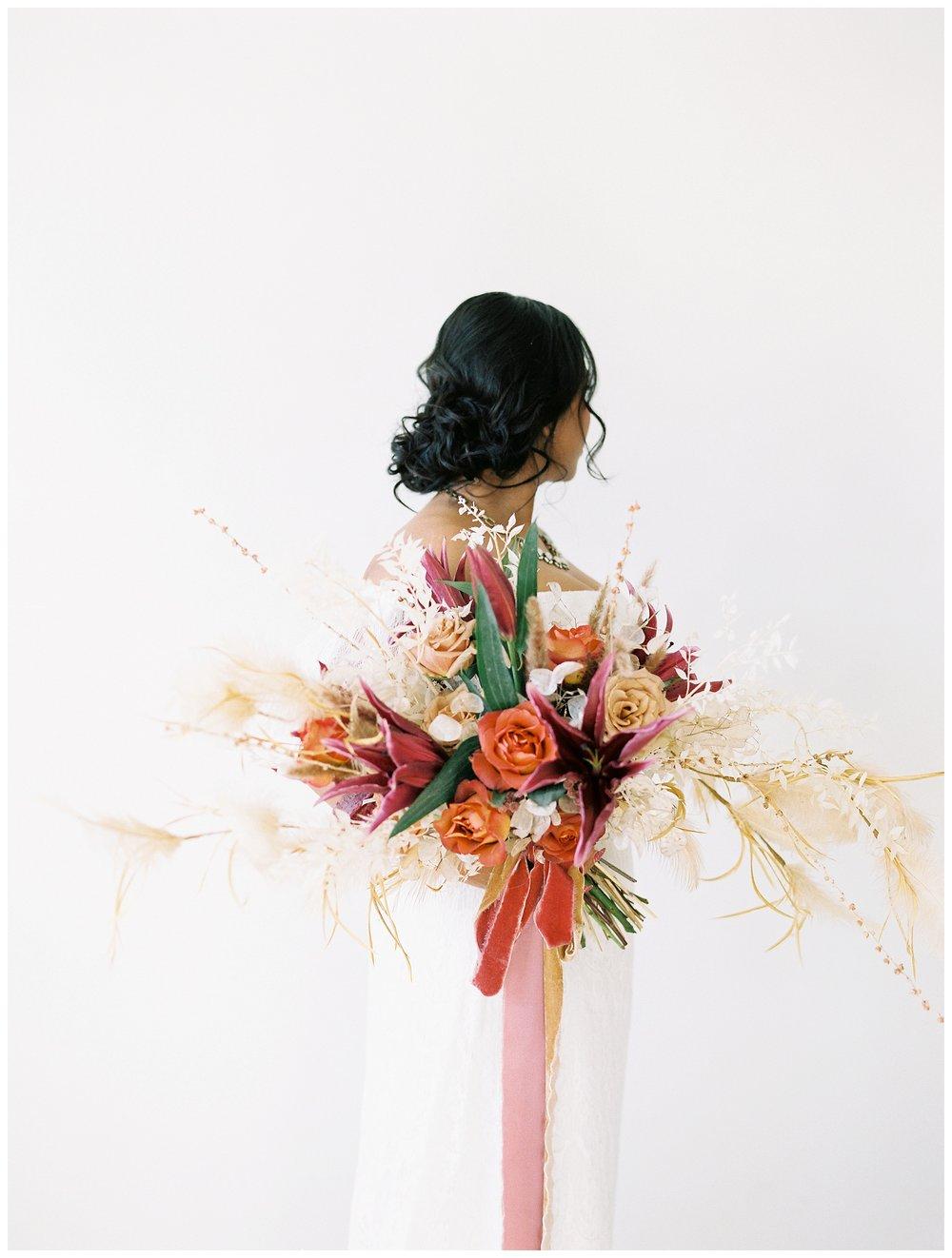 2020_Wedding_Trends_Pantone_0042.jpg