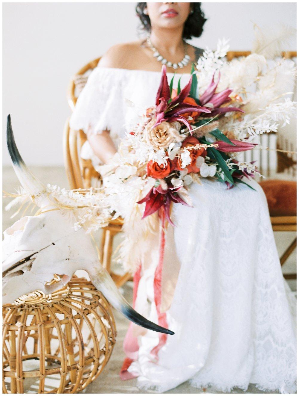 2020_Wedding_Trends_Pantone_0052.jpg