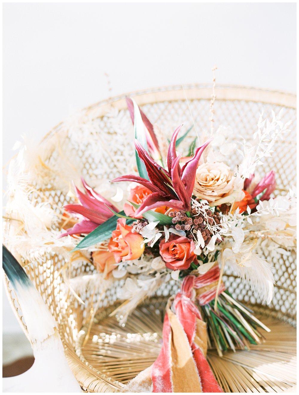 2020_Wedding_Trends_Pantone_0054.jpg