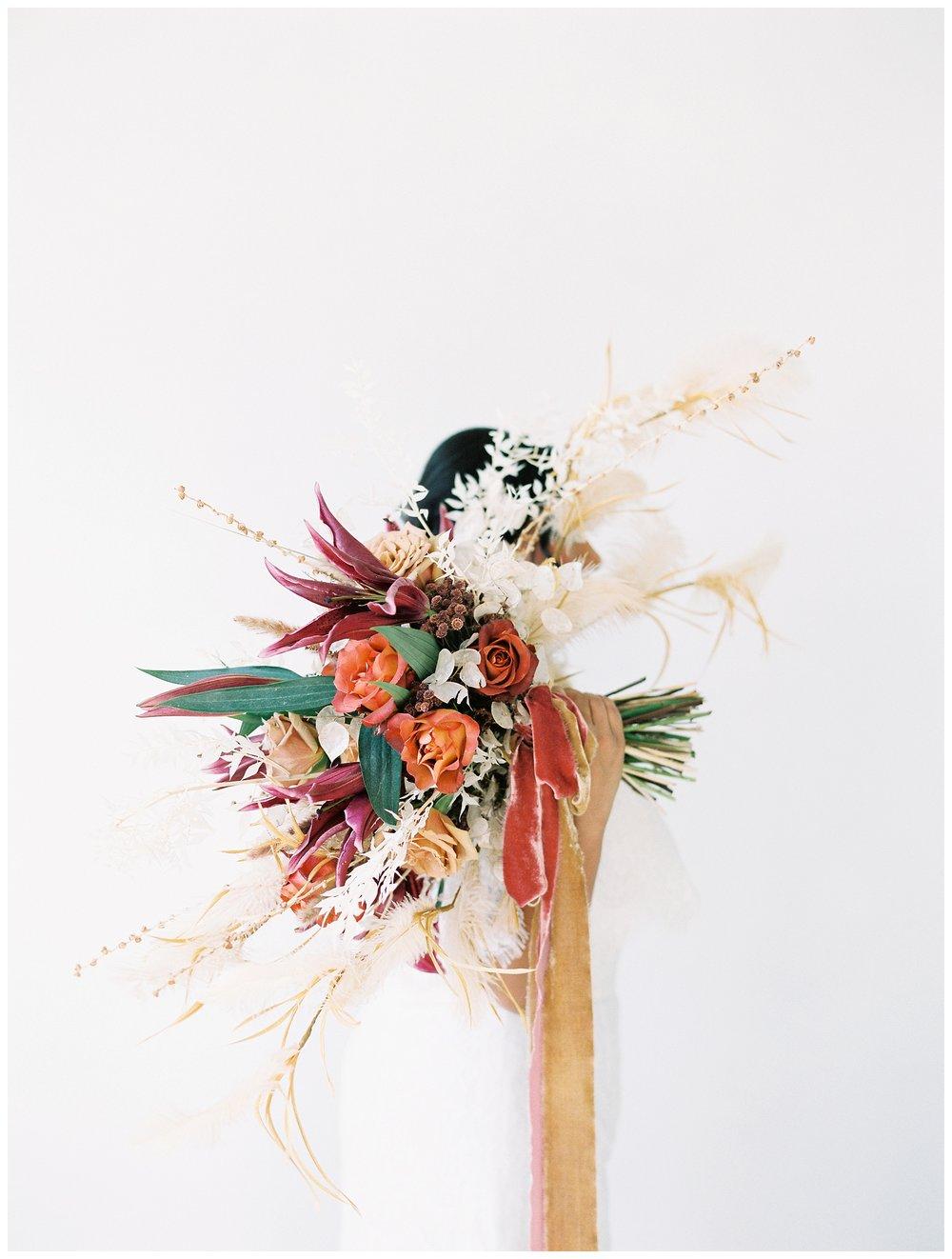 2020_Wedding_Trends_Pantone_0056.jpg