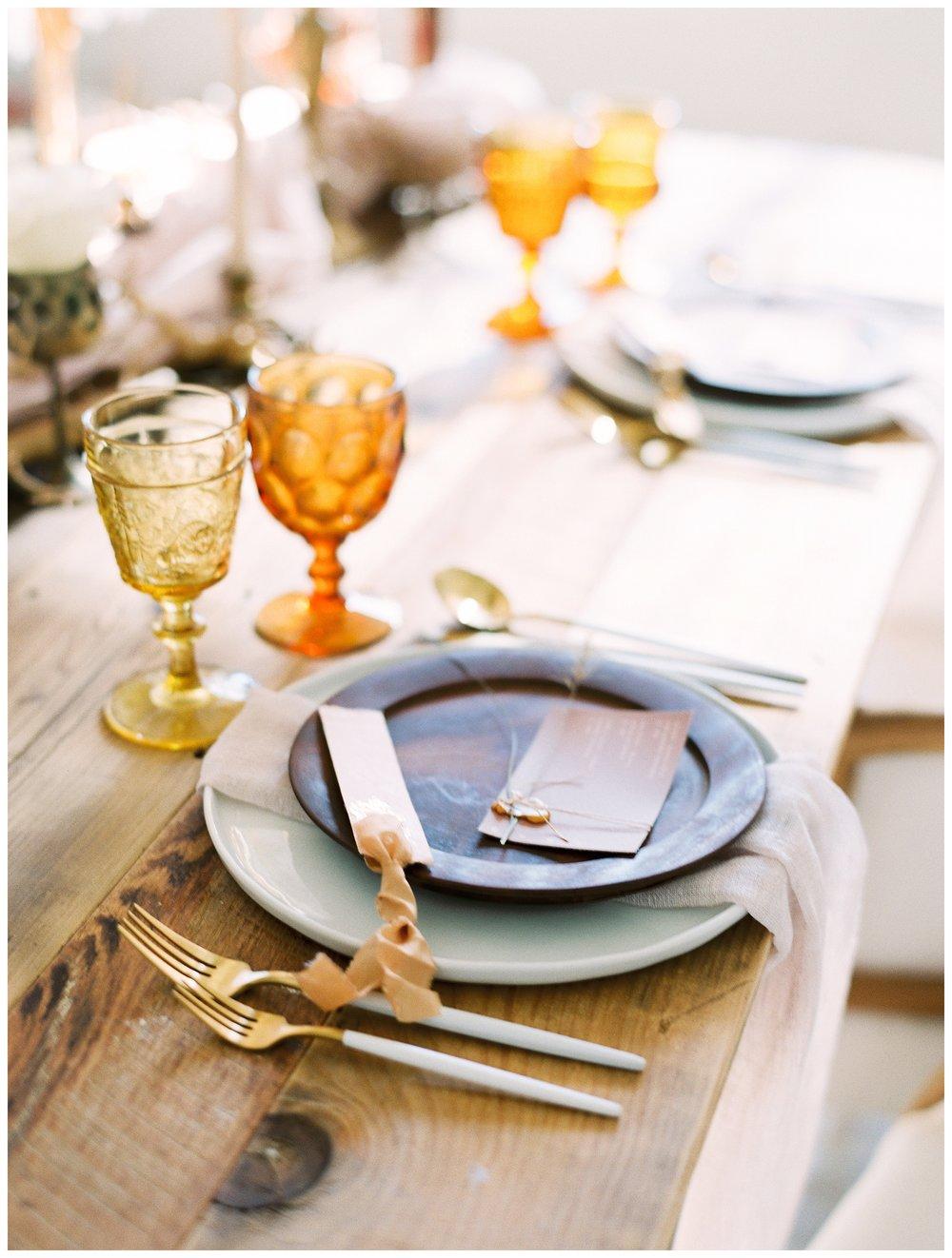 2020_Wedding_Trends_Pantone_0066.jpg