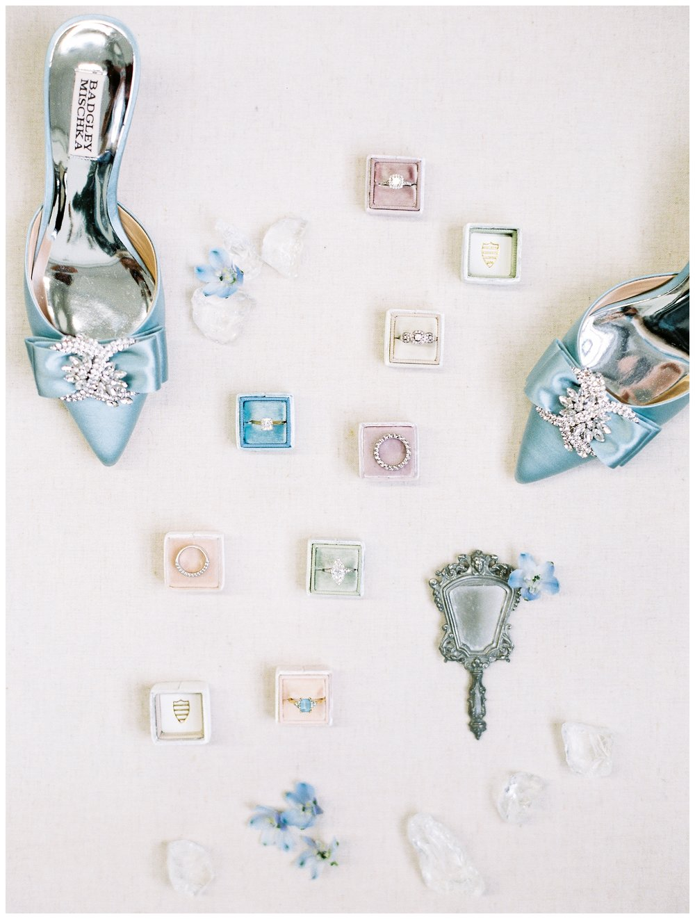 2020_Wedding_Trends_Pantone_0107.jpg