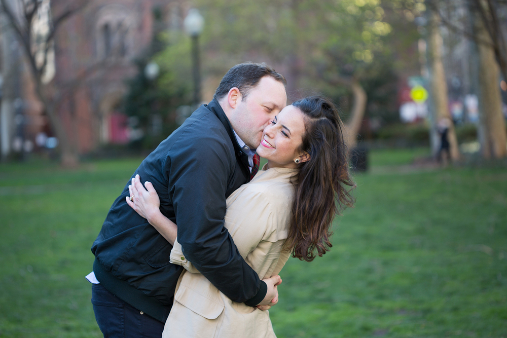 Rittenhouse square Engagement-29.jpg
