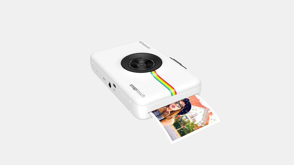 AMM_Polaroid_Carousel_1C_Desktop.jpg