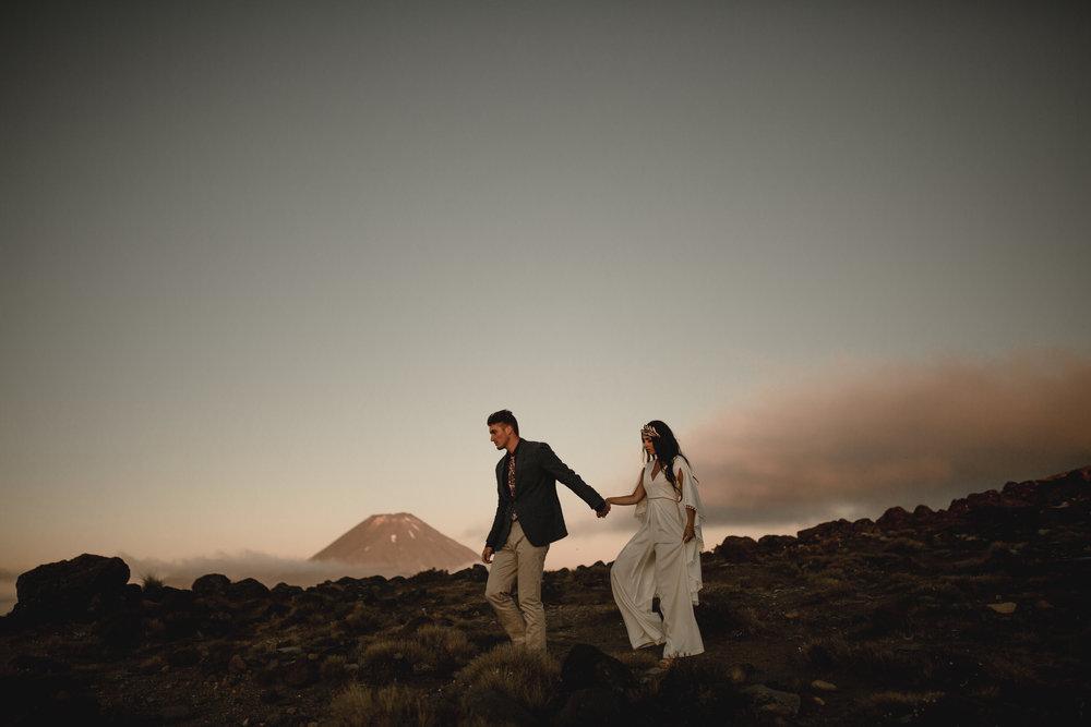 Jessica & Taylor // Mt Ruapehu