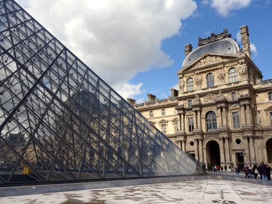 Louvre_by_HelenWu-lo.jpg