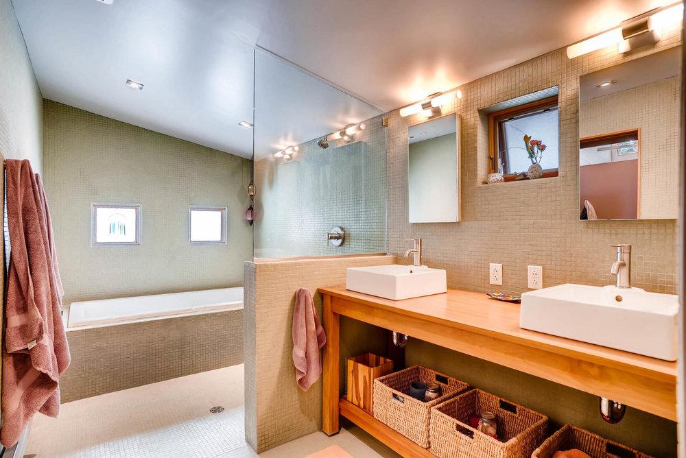 205 Camden Place Boulder CO-large-023-7-Master Bathroom-1498x1000-72dpi.jpg