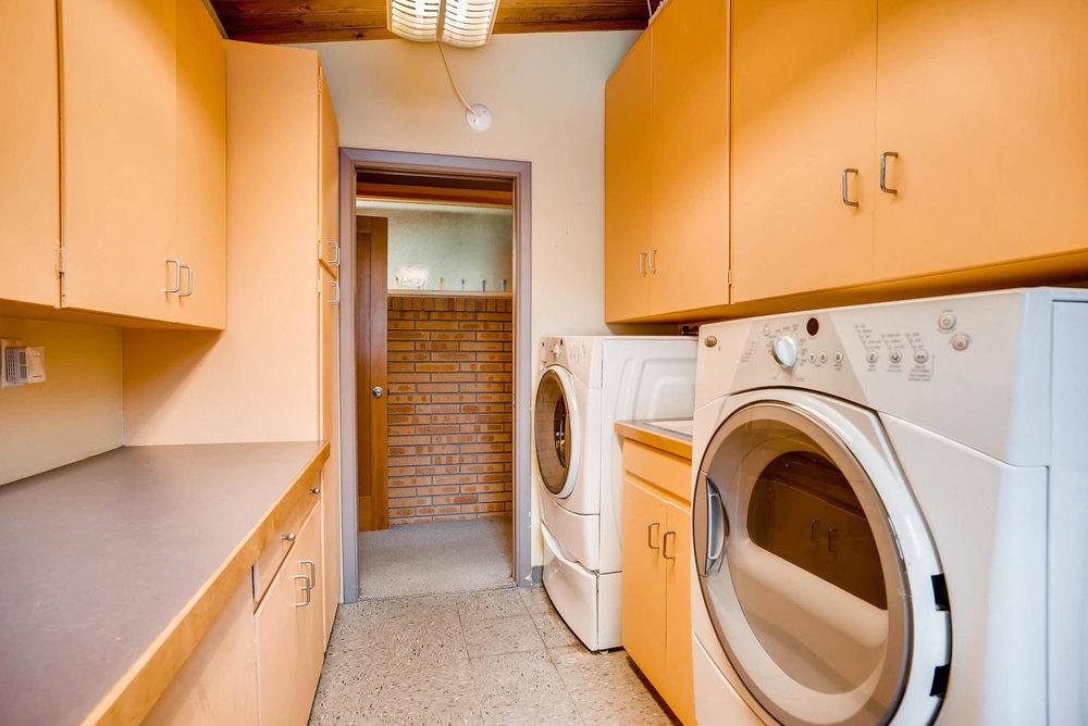 205 Camden Place Boulder CO-large-030-31-Laundry Room-1498x1000-72dpi.jpg