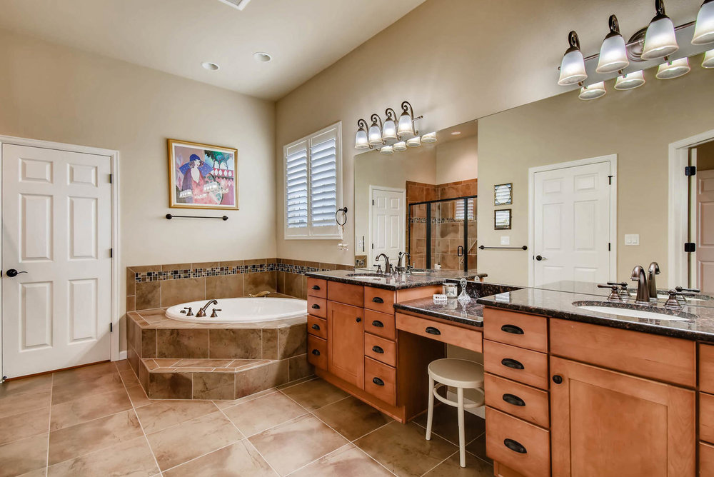4785 Silver Mountain Loop-large-016-7-Master Bathroom-1499x1000-72dpi.jpg