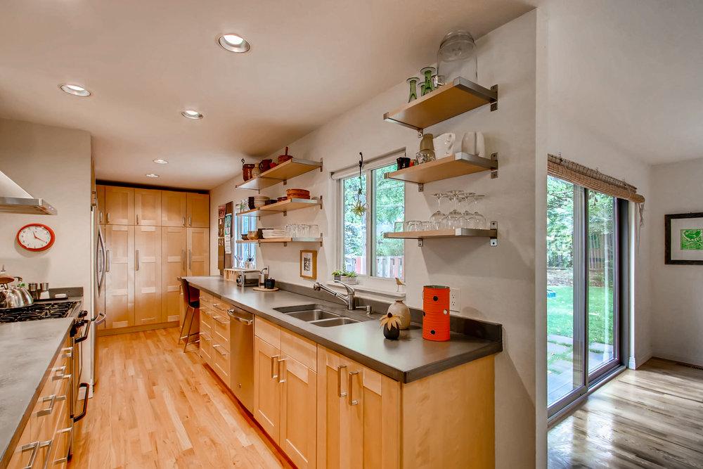 265 30th St Boulder CO 80305-print-010-7-Kitchen-3600x2400-300dpi.jpg
