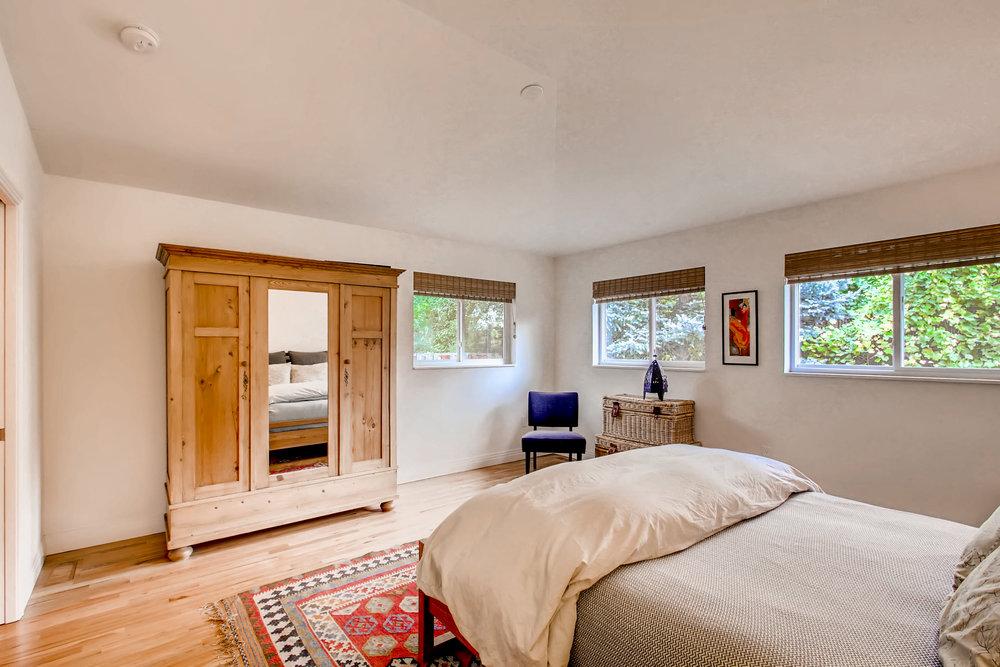 265 30th St Boulder CO 80305-print-014-16-Master Bedroom-3600x2400-300dpi.jpg