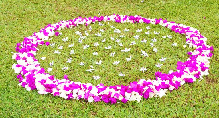 maui-circle-flowers.jpg