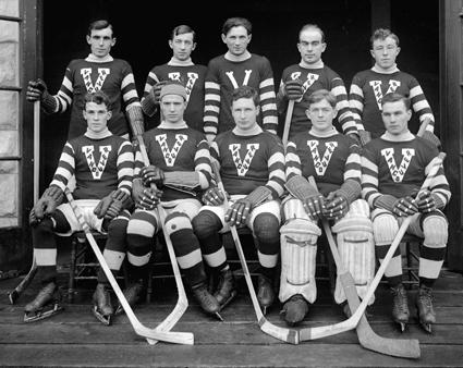 1913-14VancouverMillionairesteam.jpg