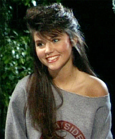 Kelly-Kapowski-Saved-Bell.jpg