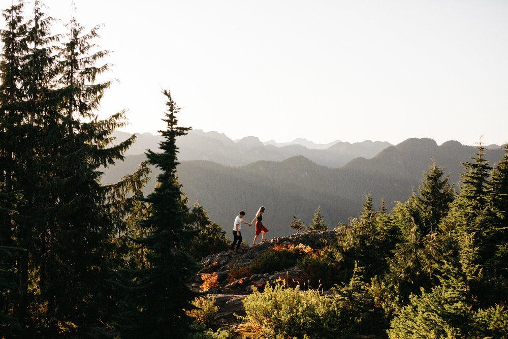brennalouisephotography-mountainengagementphotosvancouvermountseymour