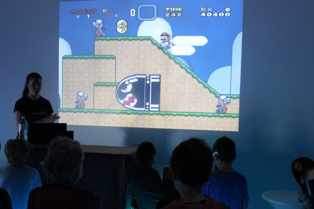 Learning about the history of digital graphics. From Super Mario Bros. in 2D to virtual reality.