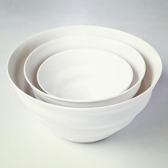 The Simple Bowls - @jo_davies_ceramics #LTAtakeover #womancan #maisonetobjet #bowls #porcelain #handmade #handthrown #wheelthrown #wheelthrowing #clay #ceramics #ceramiques #pottery #potter #craft #design #bowl #nestofbowls #studiopottery