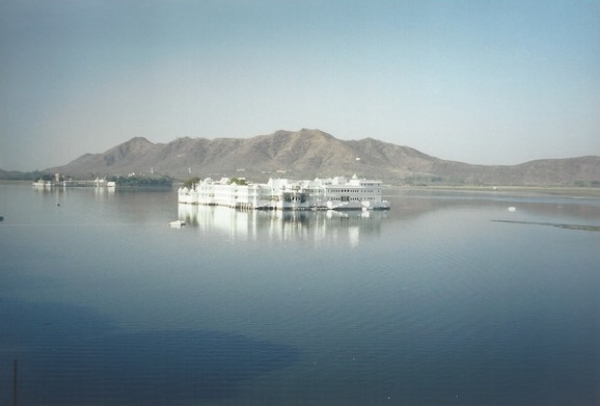 Our break from backpacking — the the Lake Palace Hotel in Udaipur, Rajashtan, India