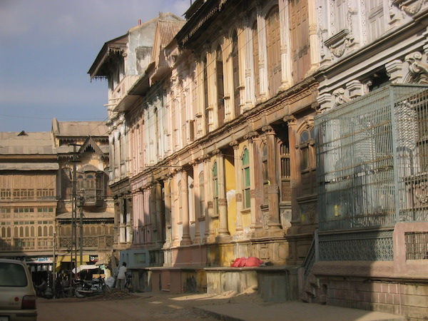 The strange town of Fatehpour in Gujarat, full of Victorian-inspired architecture