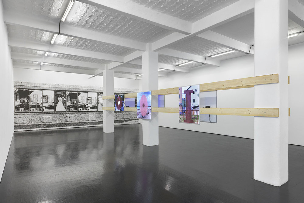 John Miller, The Insanity of Place, Installation view. Courtesy: the artist and Galerie Barbara Weiss, Berlin