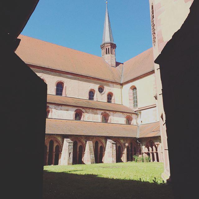 Schönes Wetter ☀️ Schöne Location 🕯 Schönes Konzert 🎶  #music #singer #choir #denisrouger #figurehumaine #tiefederseele #acapella #summer #concert #voice #mendelssohn #schumann #brahms #saintsaens #schmitt #poulenc