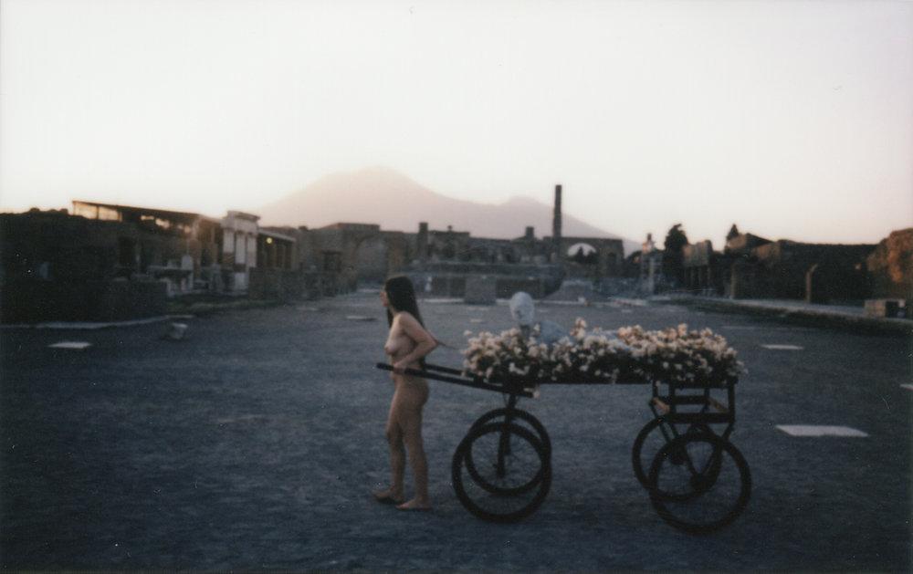 GRADIVA / INTERIORITES / LABANQUE ART CENTER presents