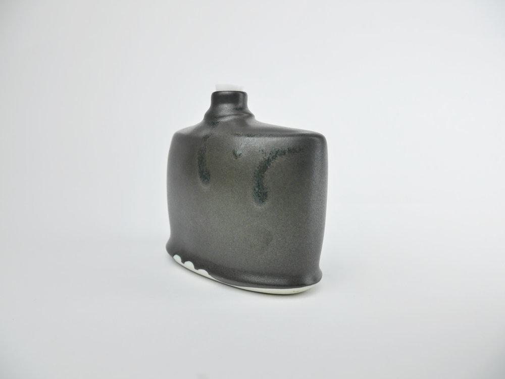 Flask_2_b.jpg