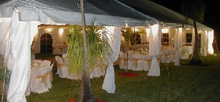 Tent Rentals in Miami and lighting