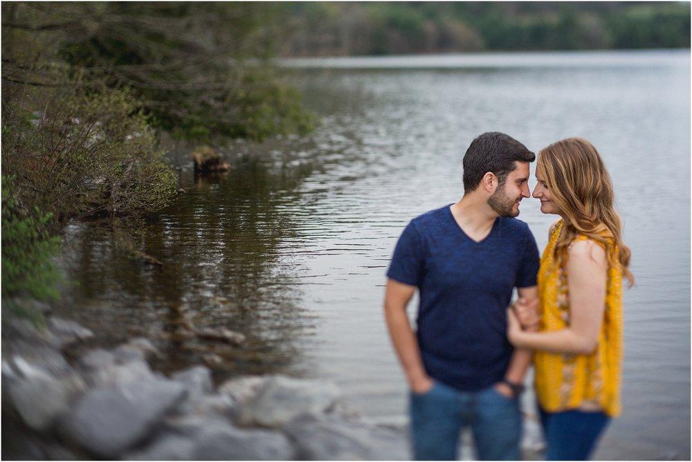 Rosevalley_Lake_Engagement_0006.jpg