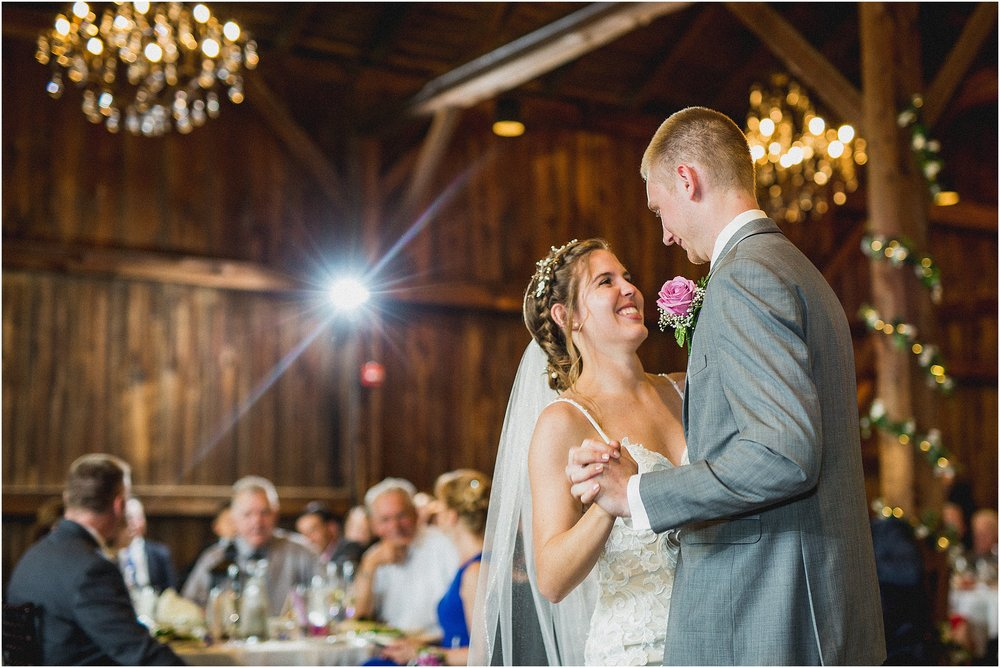 Frosty_Valley_Wedding_Photographer_0359.jpg