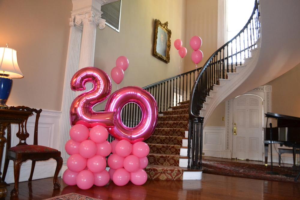 20 pink pedestal Komen 2.JPG