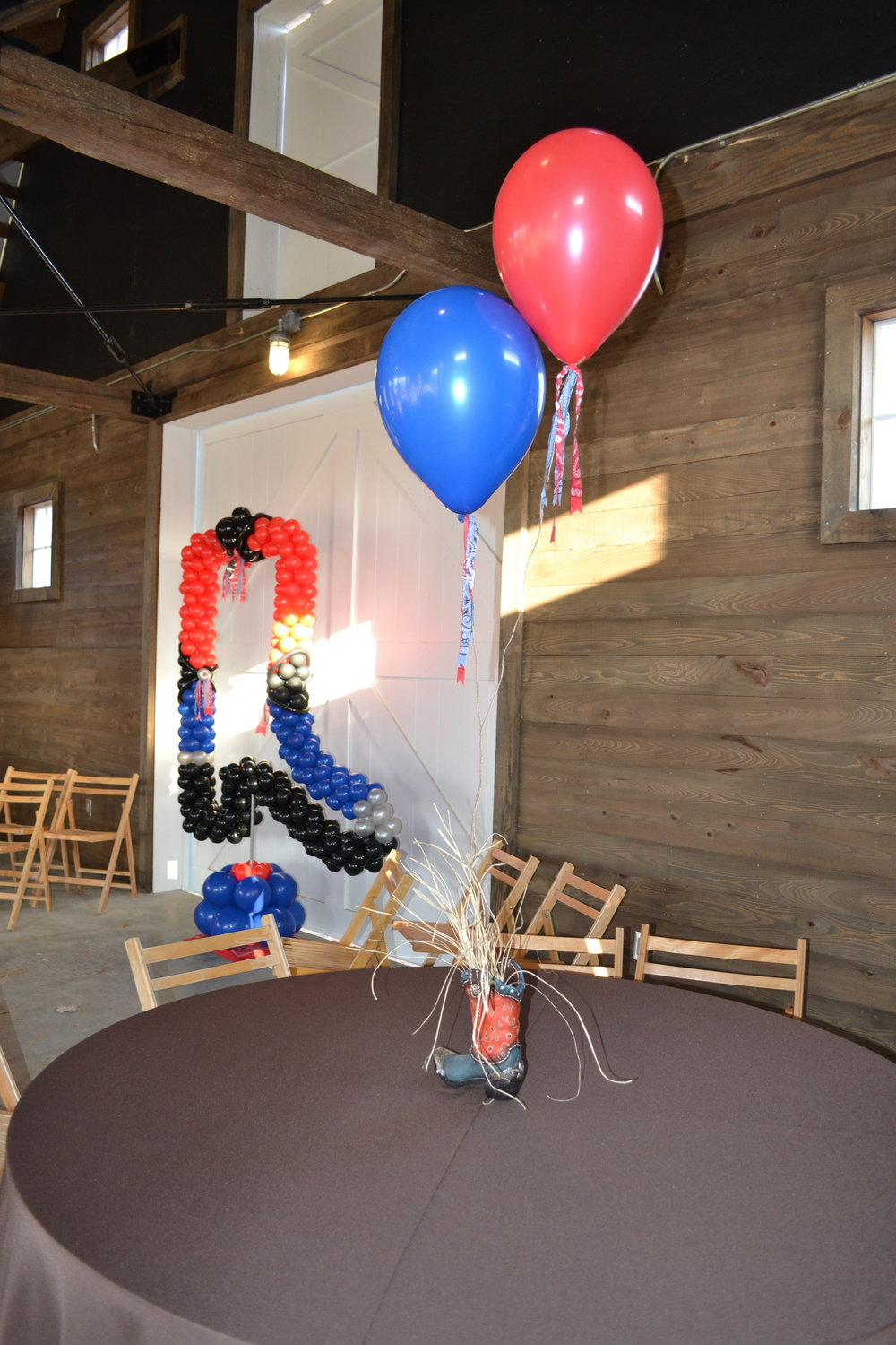 hoedown boot and centerpiece.JPG