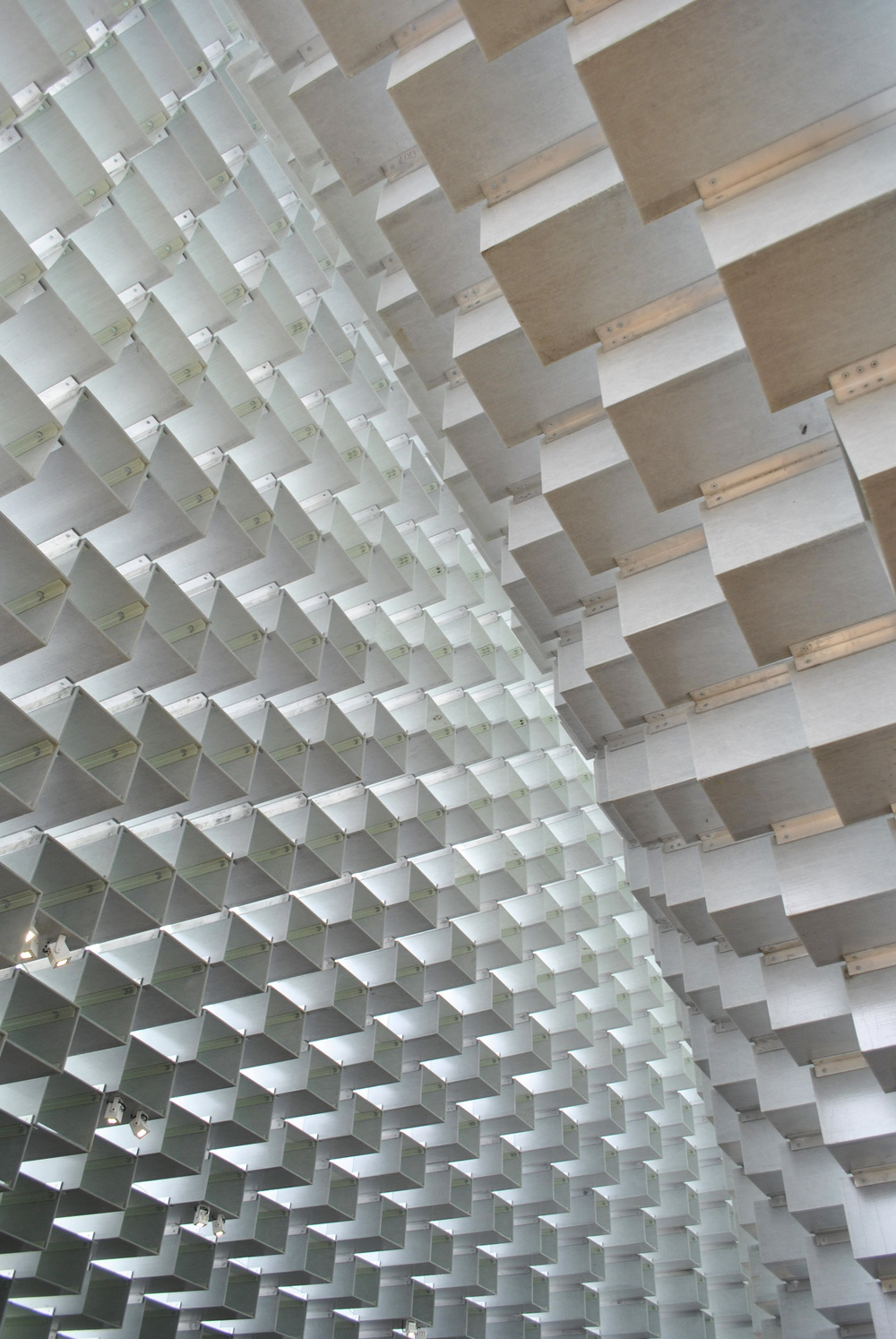 ©Detail Movement - Serpentine Gallery, inside the main pavilion