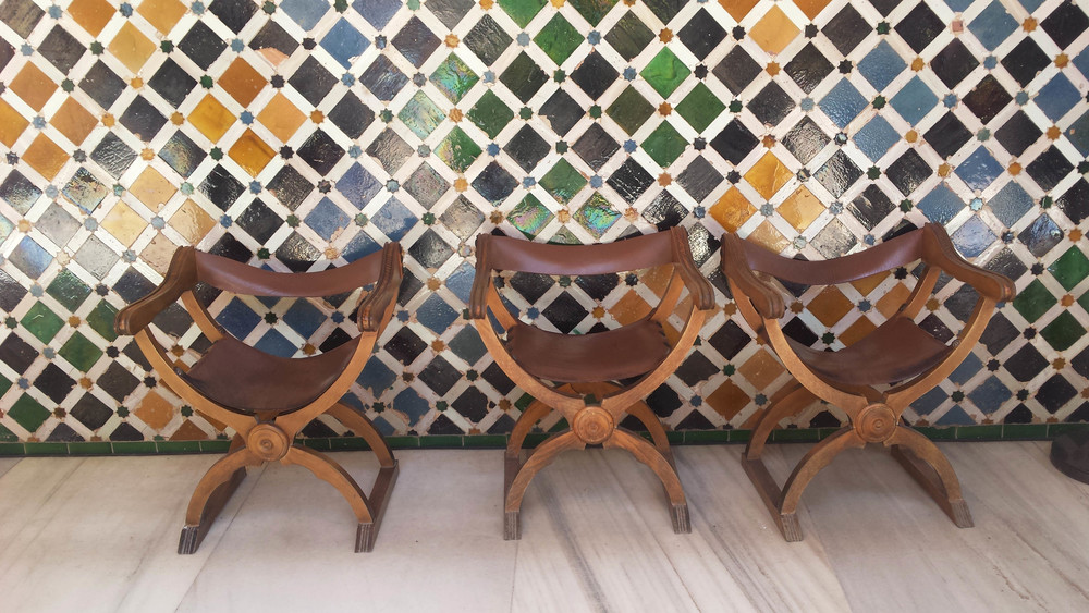 ©Detail Movement - Alhambra Nasrid Palace Court of the Myrtles Stools