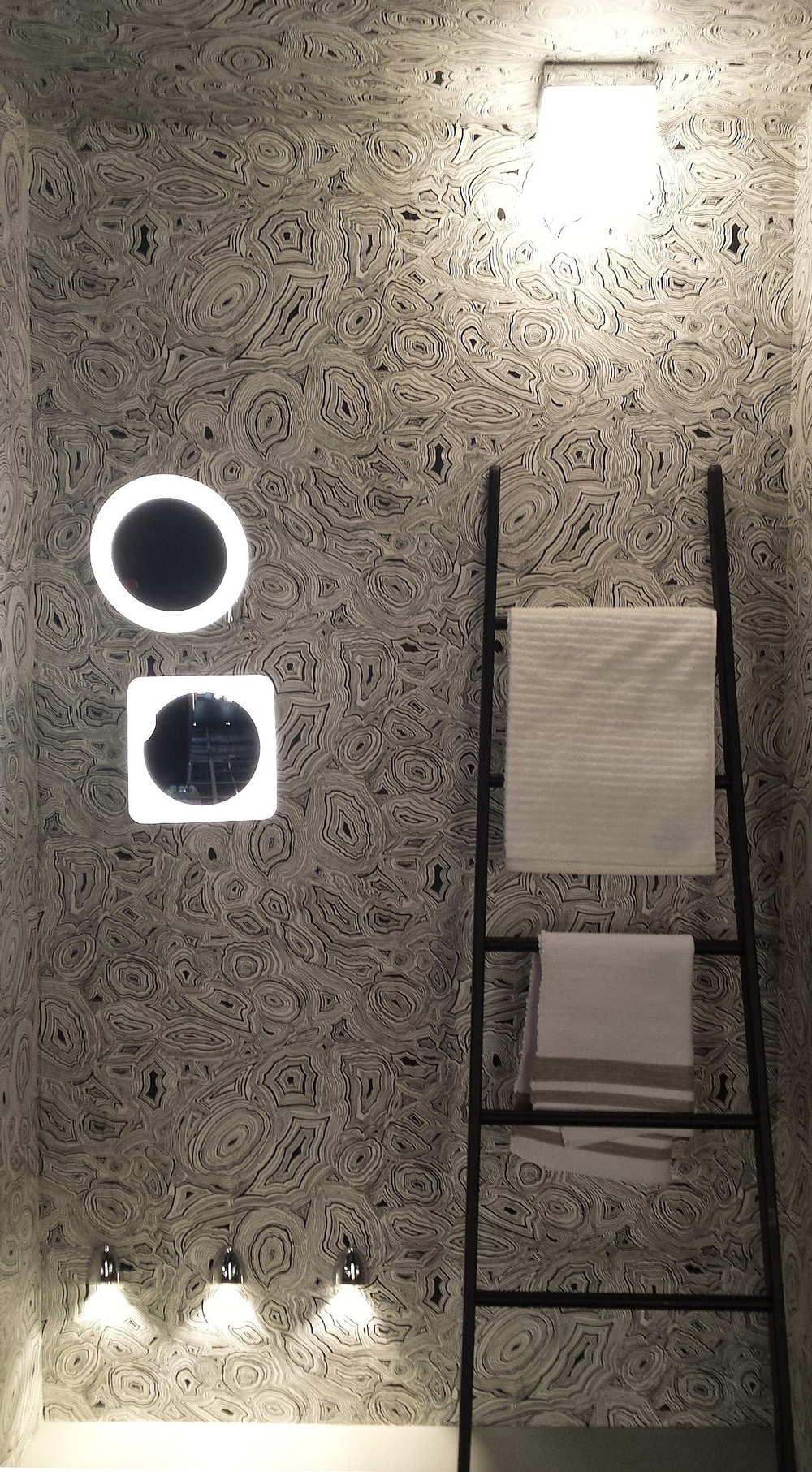 ©Detail Movement_Astro Lights_Bathroom design expo