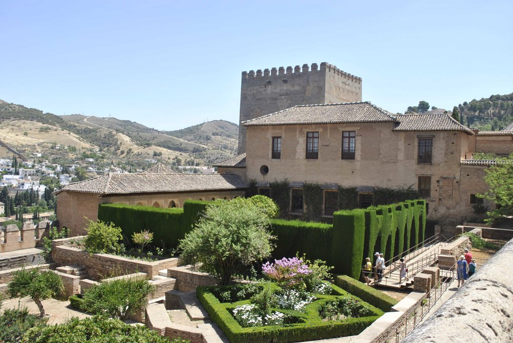©Detail Movement - Alhambra Nazaries Palace exterior small garden (no 20 on the map)