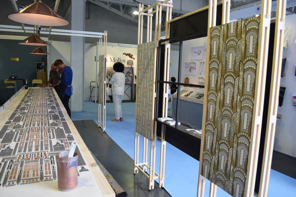 ©Detail Movement - LivetheStory - screen-printed wallpaper - the stand made by jardine couture and lights by pooky