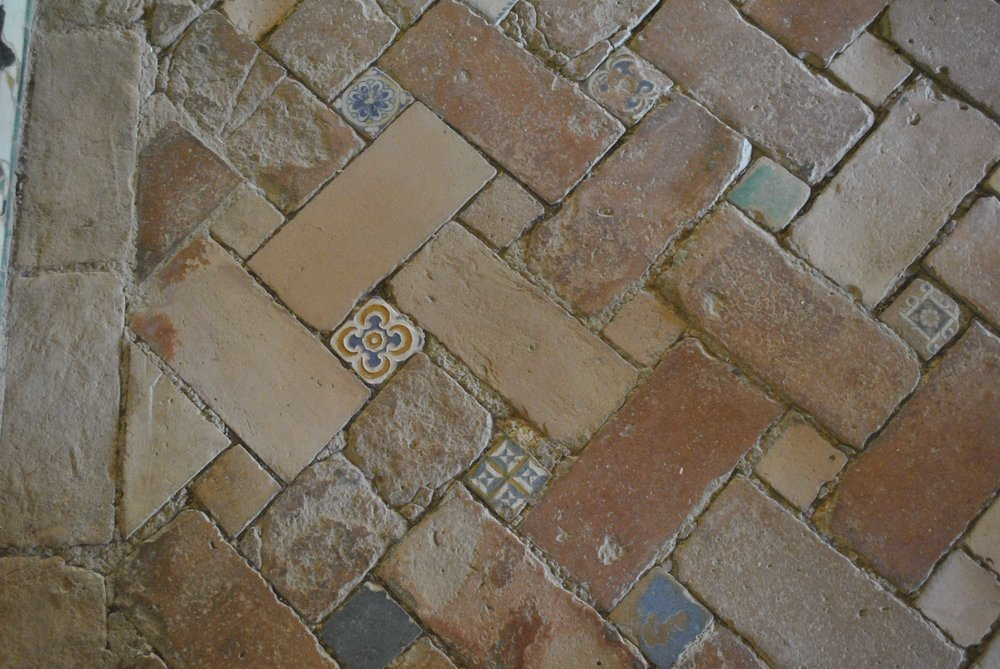 THE MEXUAR PALACE - ©DETAIL MOVEMENT ( NO 21 ON THE MAP) - floor detail