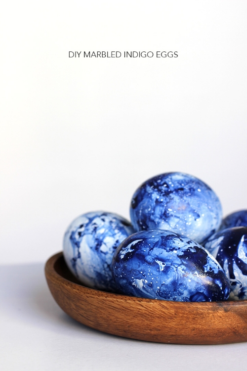 diy-marbled-indigo-easter-eggs-31.jpg